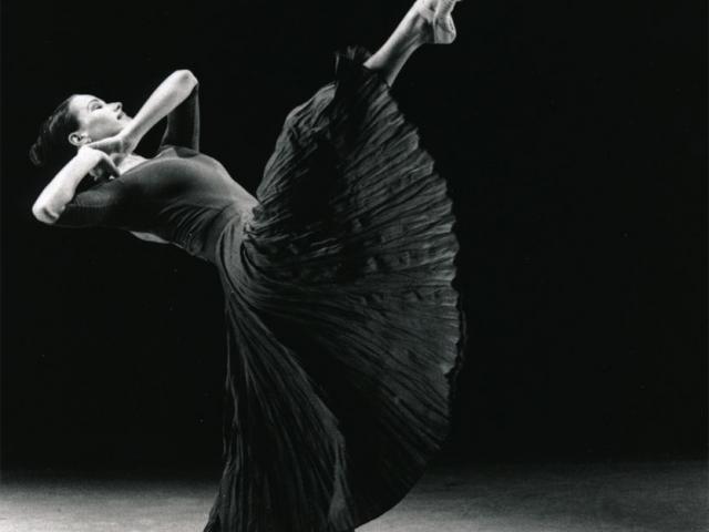 Larissa Fletcher Original solo choreographed for New York Ballet Competition Jabula, Natalie Weir 1992 Queensland Ballet