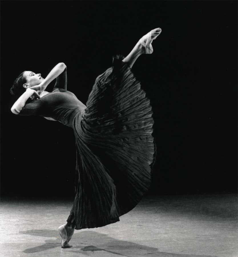 Larissa Fletcher Original solo choreographed for New York Ballet Competition Jabula, Natalie Weir 1992 Queensland Ballet