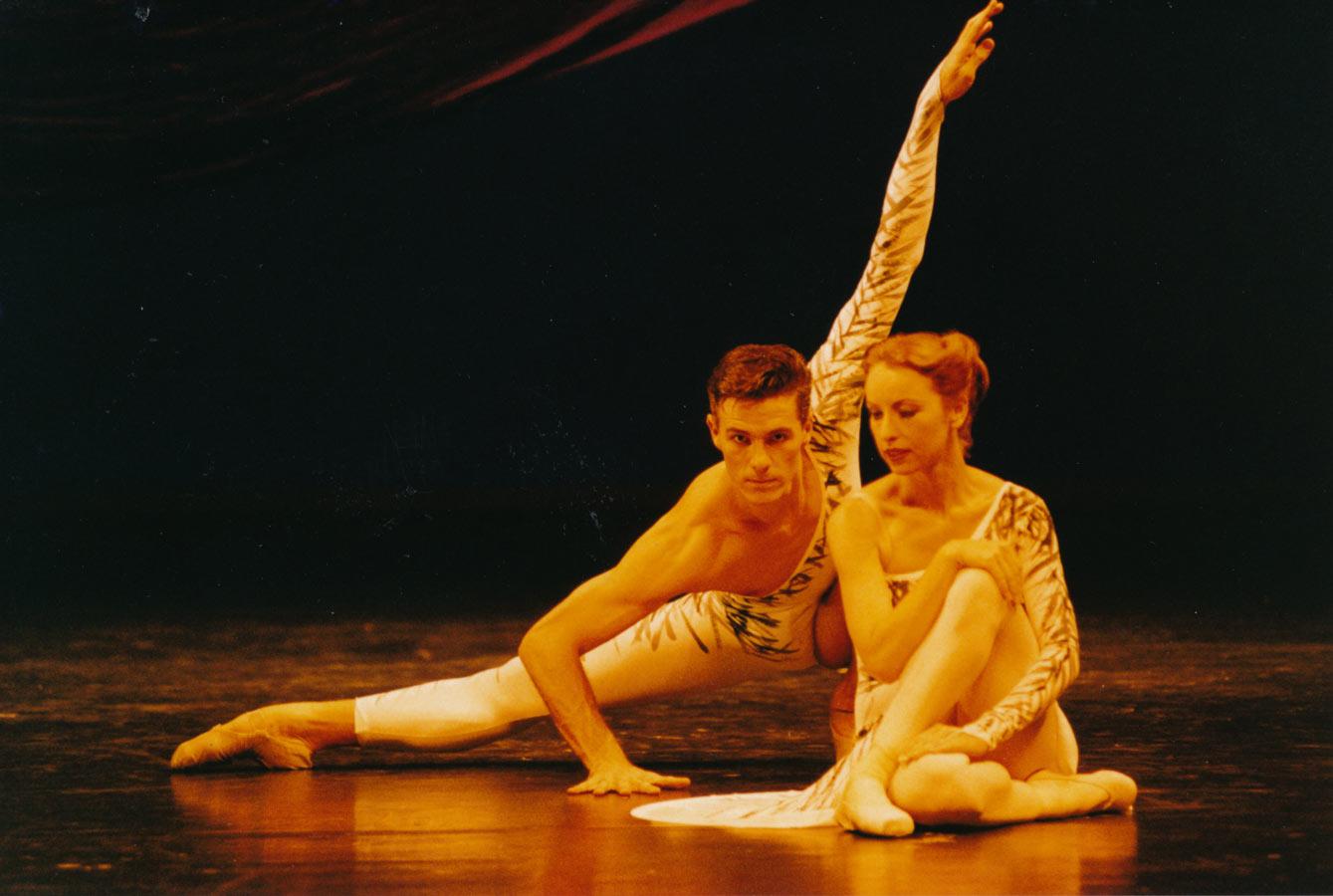 Graham Fletcher Principal Male with Michelle White Bamaga Diptych, Harold Collins, 1993 Queensland Ballet
