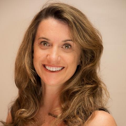 Lisa Bennett headshot